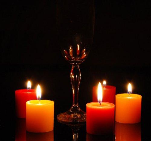 Вот основные советы, которые помогут вам сделать снимки при свечах.  Вспышка.