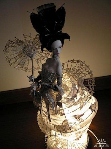http://dreamworlds.ru/uploads/posts/2010-04/thumbs/1272300796_1252161160_fashion-moon_doll-lamp011.jpg