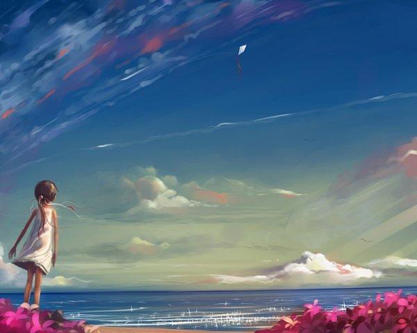 Закрыв глаза, я представляю море), И крики чаек слышу над волной).  Я вижу, как волна играется с волною)...