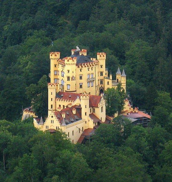 Королевский замок Хоэншвангау (Бавария) .