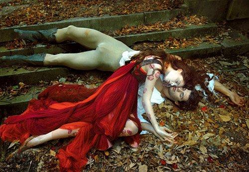 """""""Печальные истории"""" от Энни Лейбовиц для Vogue"""