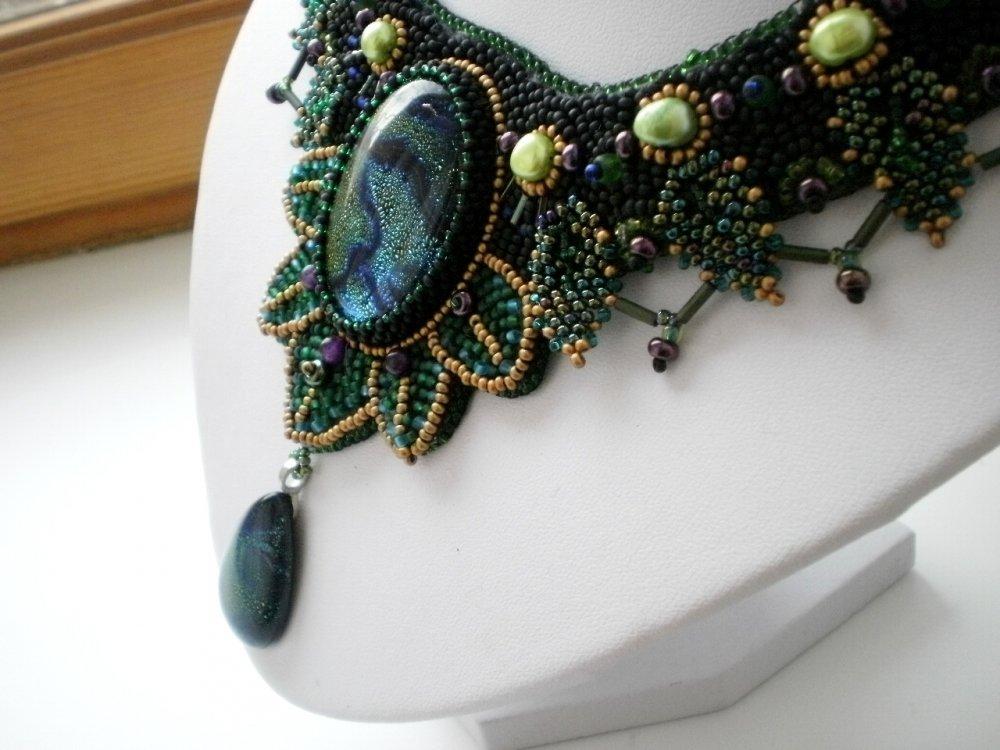 Изображение Украшения из бисера и камней от Жени Семиной из коллекции украшения из камней и бисера на сайте Пинми.ру.