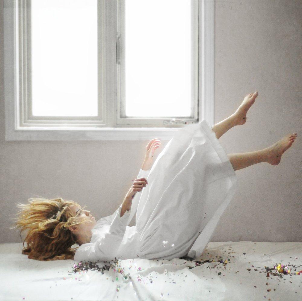 Подборка работ молодого фотографа Лисси Элл с воображаемым миром
