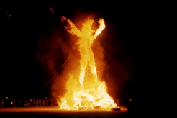 Смертная казнь - Страница 2 1364063603_lightmatter_burningman